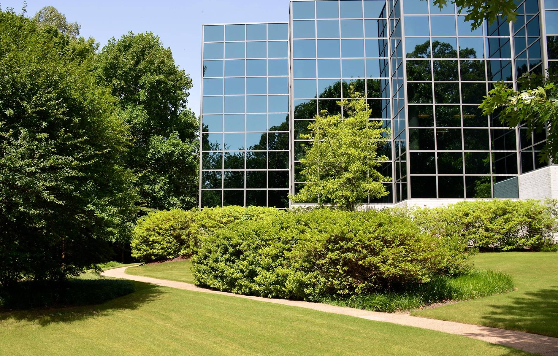 Fresh green space surrounds this Memphis, Tennessee office park